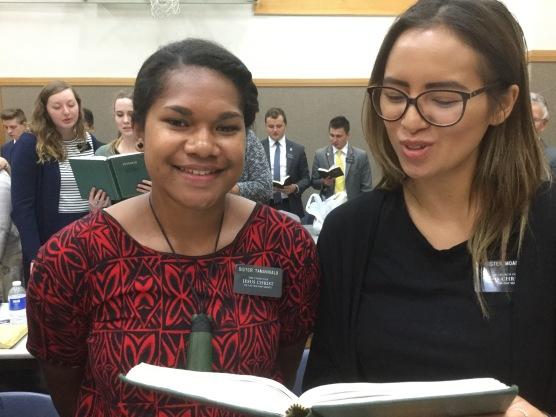 Sisters Tamanivalu & Moana
