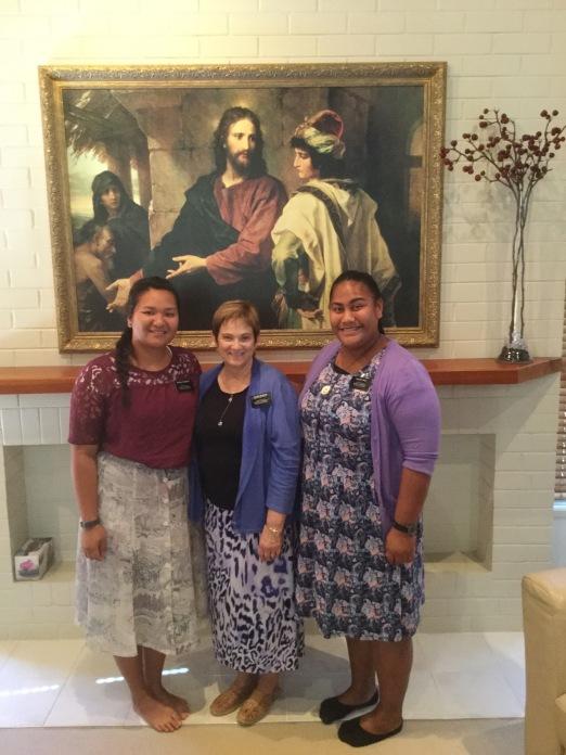 Sisters: Teihoarii & Salu